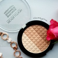 MAKEUP REVOLUTION  BRONZE SHIMMER HIGHLIGHT / GOLD PERFECTION <3